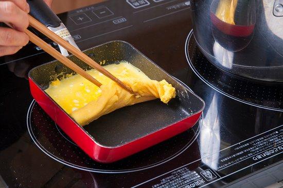 Aomori Flavors Cooking & Foodies Tours: Yummy Tamago-yaki (Japanese omelet).