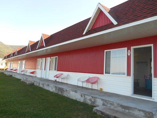 Mont-Saint-Pierre, Kanada: Nostalgie des motels nord américains en basse saison...