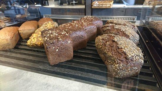 Ole & Steen: Bread display