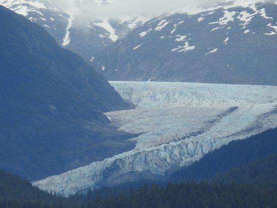 Mendenhall Glacier: Glacier 2 miles wide.