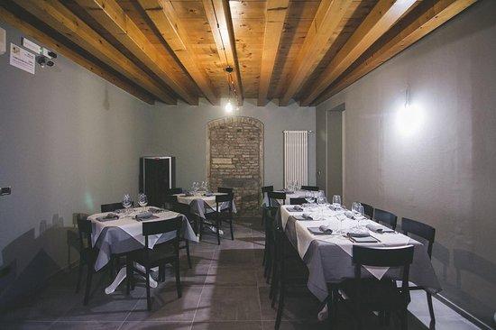 sala interna - Picture of IL Tinello - Cucina e Cantina, Padua ...