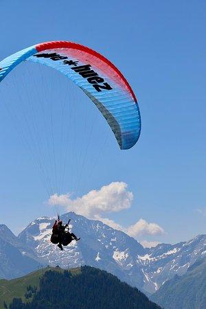 Le Bourg-d'Oisans, Francia: Paragliding