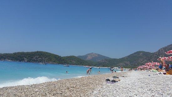 Akdeniz Beach Hotel: The beautiful beach very close