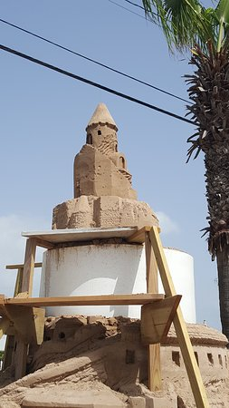Largest Outdoor Sandcastle in the USA照片