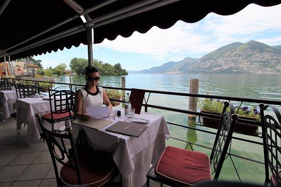 ristorante Bella Iseo: tavoli esterni
