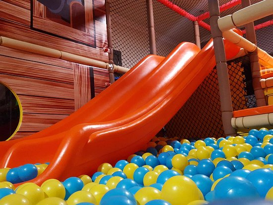 Beano's: Inside playing area