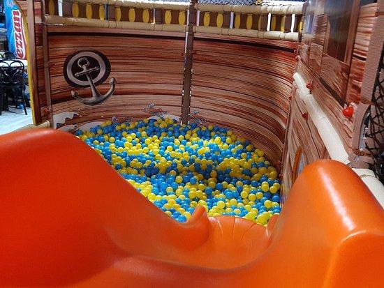 Beano's: Inside play area