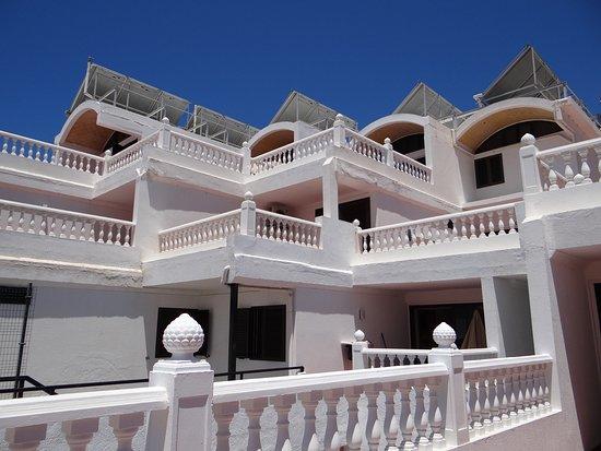 Rio Piedras Apartments: Appartement met terras.