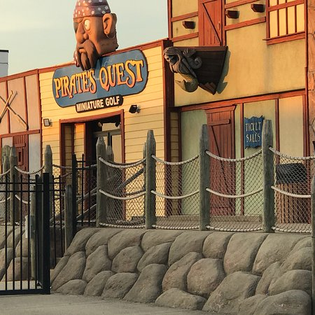 ‪Pirate's Quest Mini Golf‬