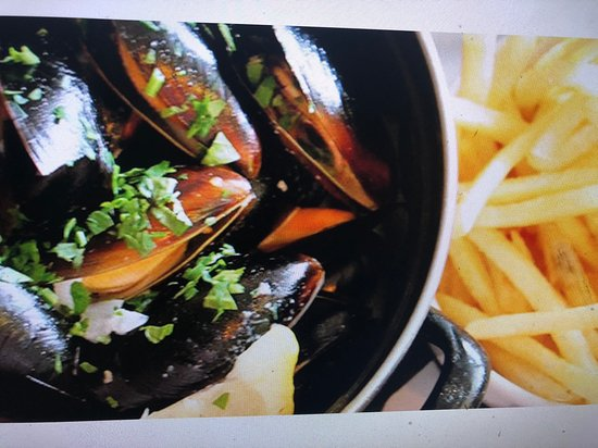 French Martini: Moules Monday $25 for a kilo add bottle of Sauv Blanc $50 Every Monday !