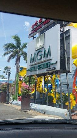 MGM Beach Resorts: Entrance