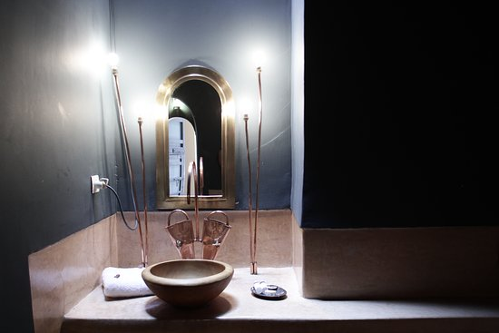 la salle de bain en tadelakt de Qamar - Picture of Dar el ...