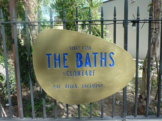 The Baths at Clontarf照片