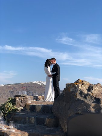 Aenaon Villas: The perfect spot with the perfect view for an intimate elopement.