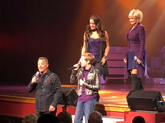 Country Tonite Theatre: great singing