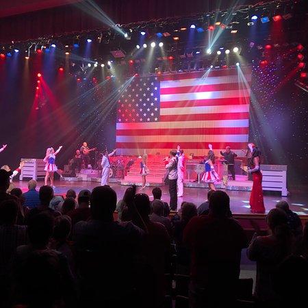 Country Tonite Theatre: Patriotic tribute