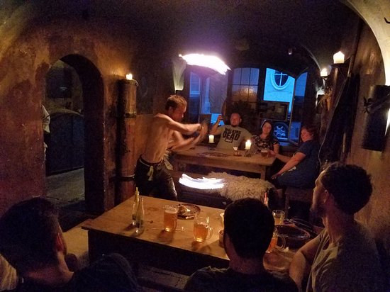 Tavern U Krale Brabantskeho: Videos - and personal experience of this - are better