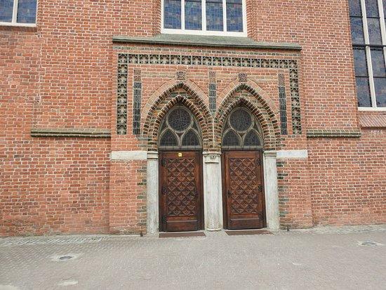 St. Nicholas Cathedral (Katedra Sw. Mikolaja) : Drzwi boczne Katedry Św. Mikołaja