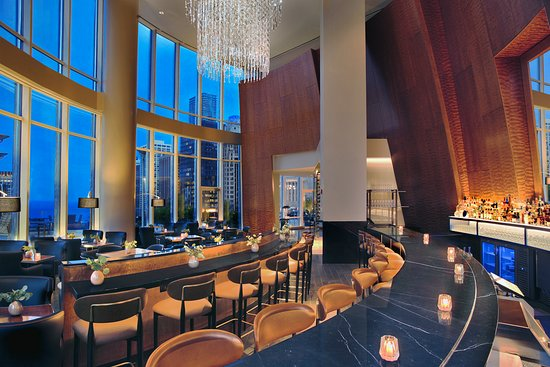 Trump International Hotel & Tower Chicago: Terrace 16 - Chicago New American Restaurant