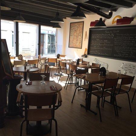 Superbe endroit. Très bonne cuisine et bon accueil. Le restaurant avait ouvert la semaine derniè
