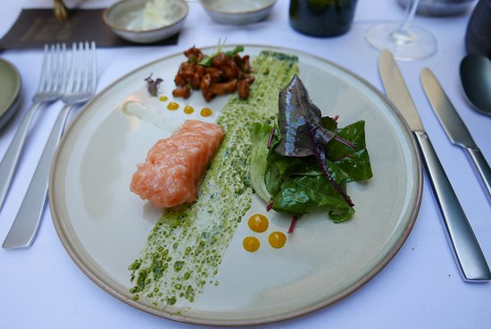 Pfistermühle: Trout with salad and mushrooms