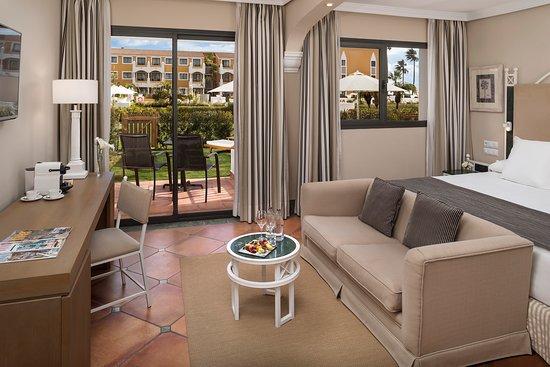 Gran Melia Sancti Petri: Premium access to pool with private garden