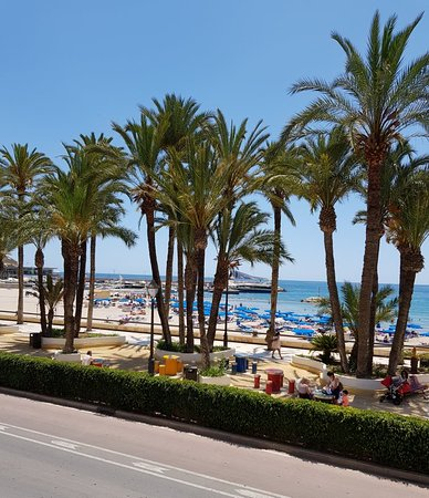 Poniente Beach: Beautiful beach on a beautiful day
