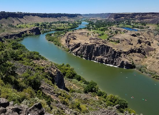 Perrine Bridge: Snake River heading West