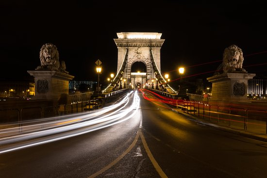 Photo Tours in Hungary by Miklós Mayer: Bridge from Buda side near the Gellert Spa