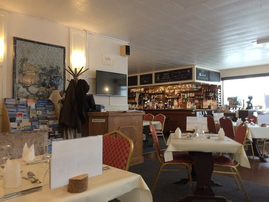 The Morefield and Mariners Restaurant: The Main Dining Room
