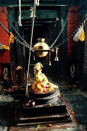 Nepali Temple (Kathwala Temple): Urn containing water from Ganges