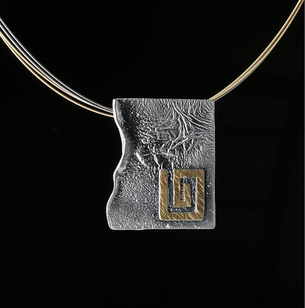 Elements Handmade Jewels: A modern hammered meander neckless, made from 925 Silver and plated partial with 24k Gold