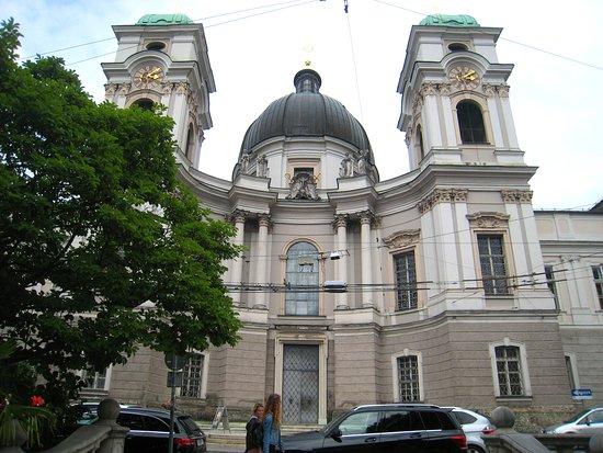 Dreifaltigkeitskirche (Holy Trinity Church): Magnificent facades