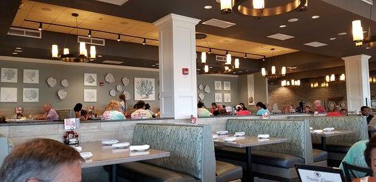 Paula Deen's Family Kitchen: Seating
