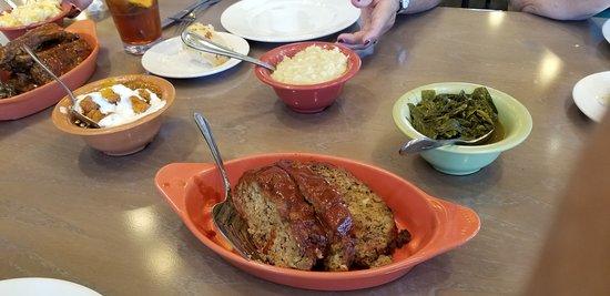 Paula Deen's Family Kitchen: meatloaf, Candies Yans, Collard Greens, Creamed Corn