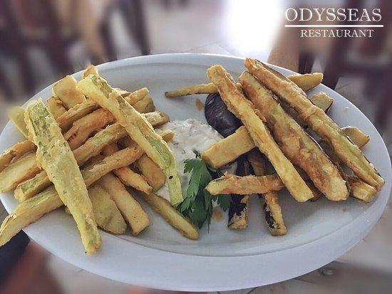 Odysseas Restaurant: Fried zucchini and aubergine slices