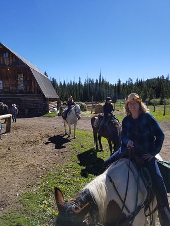 Skyline Guest Ranch and Guide Service: Before the ride