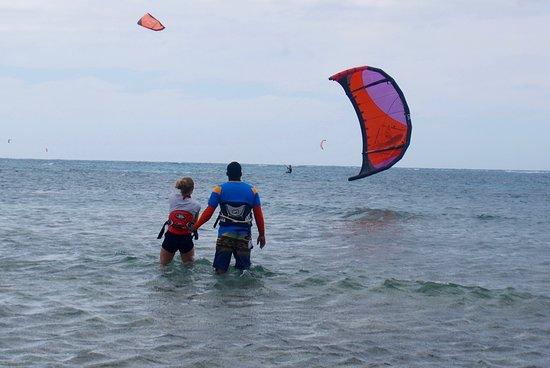 Unhooked Buen Hombre kite lessons
