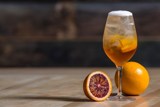 Les Enfants Terribles: CONTRATTO SPRITZ Contratto, prosecco, orange