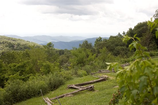 Wintergreen Resort: View from a designated scenic spot along a road to the spa.