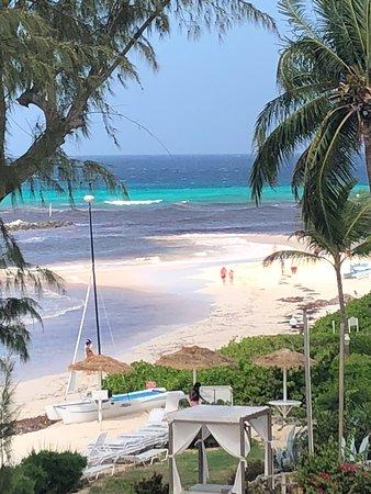 Maxwell Beach: view of Maxweel Beach from Bougainvillea Beach resort