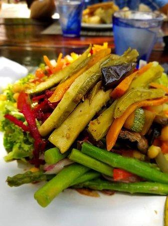 El Dorado Seaside Suites: Beach BBQ veggie options!