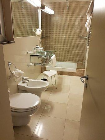 MH Design Hotel: 20180701_200914_large.jpg