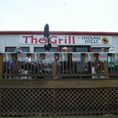 Bernice, OK: Outside deck at The Grill