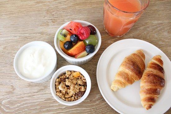 Lime Tree Hotel: Continental breakfast