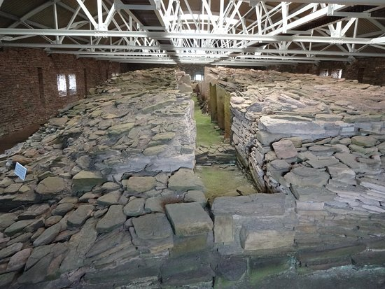 Rousay, UK: Midhowe cairn