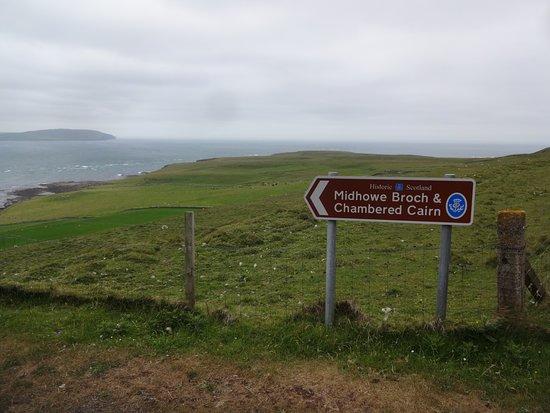 Rousay, UK: Sign at top