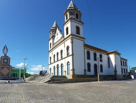 Serraria, PB: Igreja Matriz do Sagrado Coração de Jesus - Bananeiras