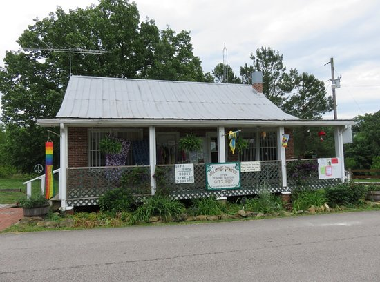 Summertown, TN: the farm welcome center