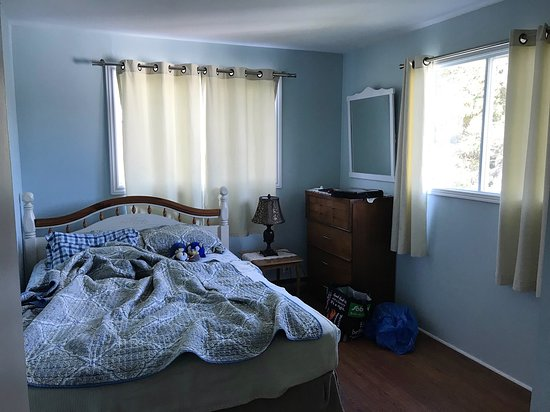 Eastport, Kanada: Bedroom was large and well equipped